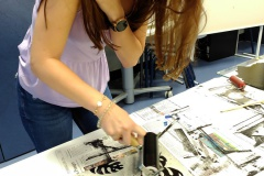 Schüler-im-Druckworkshop-bei-der-Arbeit-13
