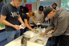 Schüler-im-Druckworkshop-bei-der-Arbeit-4